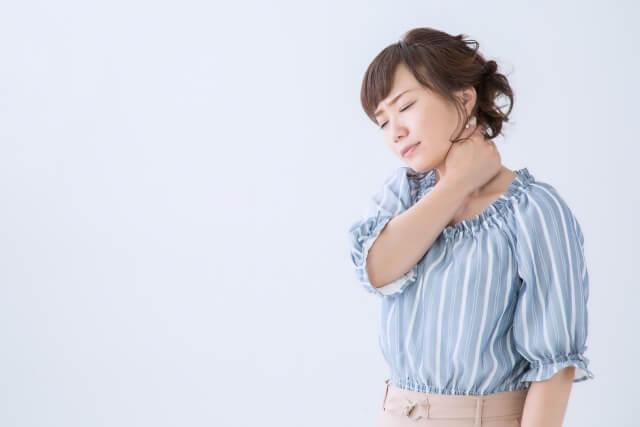 ストレートネック女性画像 札幌整体治療院 谷井治療室